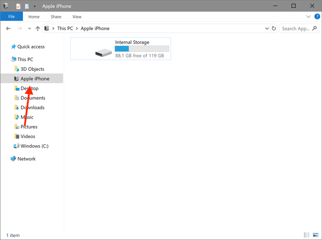 Screenshot: How to move photos to PC using a Lightning cable